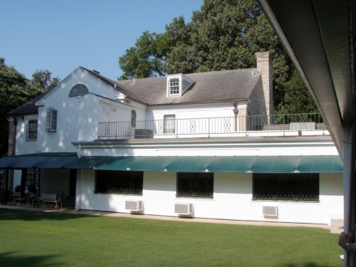 A view of the back of Graceland shows how modest the house really is.
